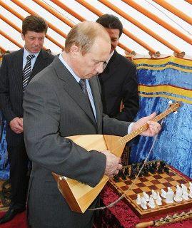 """""""Два миллиарда на балалайки? Только наивный может в это поверить"""", - москвичи не доверяют словам Путина о друге детства Ролдугине - Цензор.НЕТ 6500"""